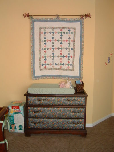 Changing_table_and_quilt